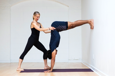 CE with Tara Glazier: Principles of Teaching a Dynamic and Therapeutic Approach to Inversions